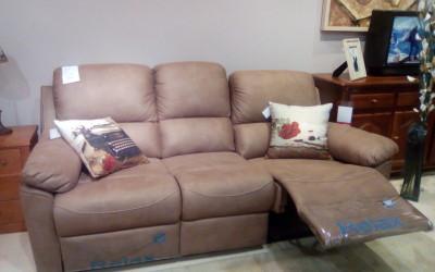 Cómodo sofa con 2 relax. Antes 1.045 €