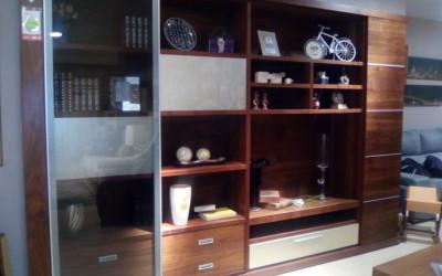 Elegante salón en nogal+pan de plata. Antes 5.510 €